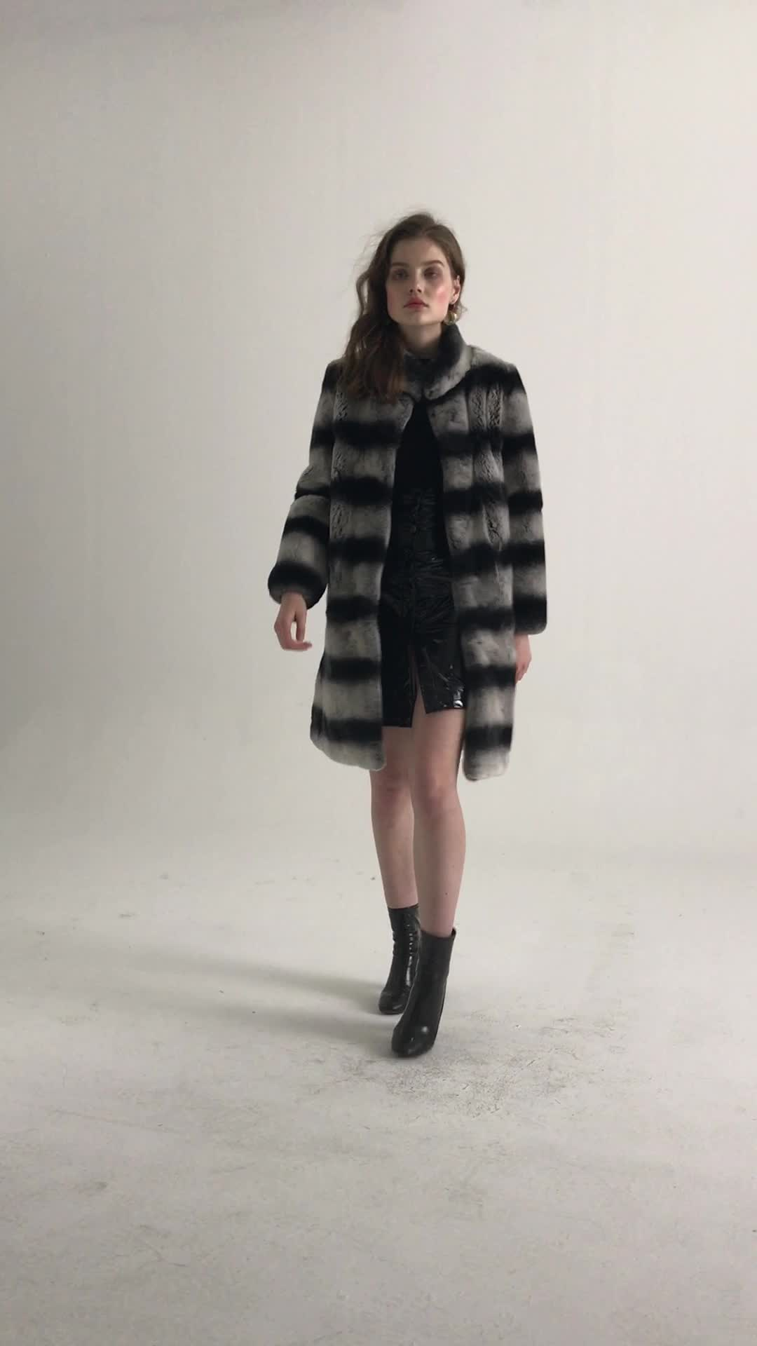 Fashion Custom Made Black Gray Stripe One Whole Leather Real Rabbit Fur Coat for Women