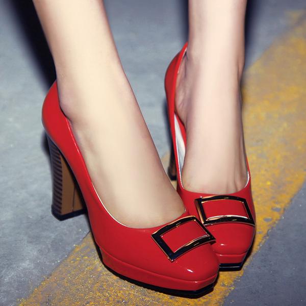 红色新娘婚鞋高跟鞋方头简约大方甜美淑女约会浅口漆皮防水台单鞋