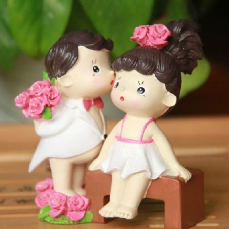 美式乡村创意家居饰品 献花情侣婚房摆件情侣亲吻娃娃 婚庆礼品