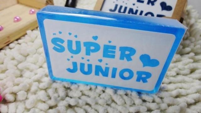 Сувенир со звездами кино и эстрады SJ Super Junior с натуральных эфирных масел вокруг мыло ручной работы