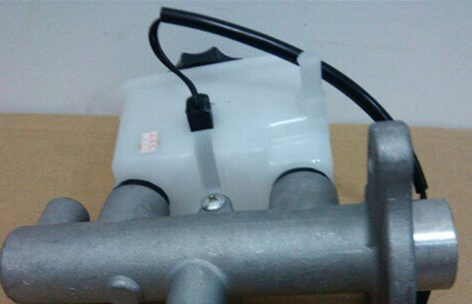 Тормозной цилиндр   323BG CA7130 BG 323