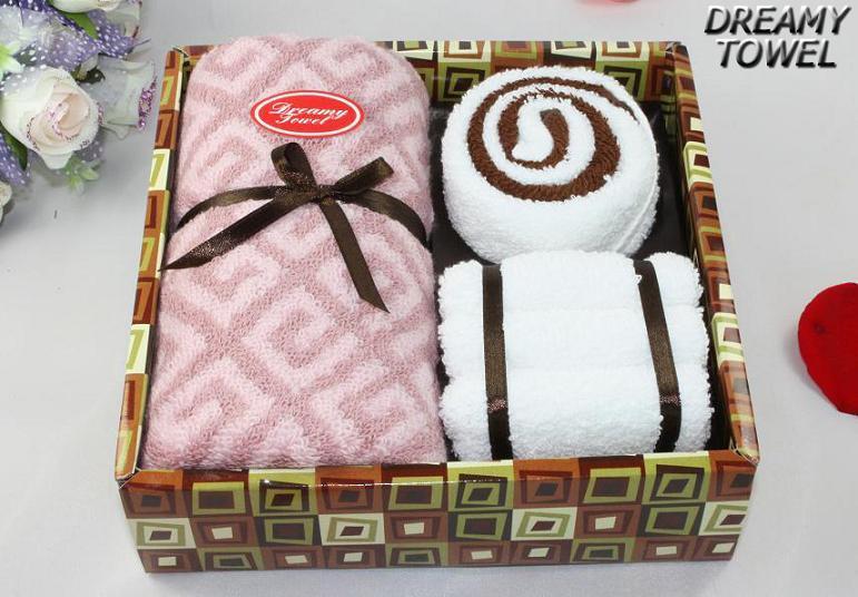 Сложить полотенце в подарок мужчине