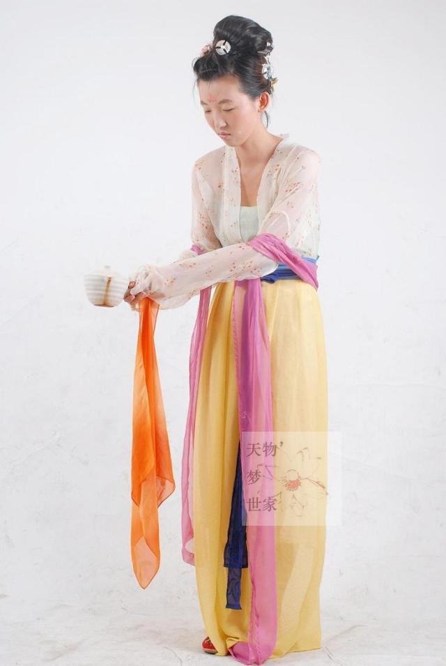 Блузка в китайском национальном стиле