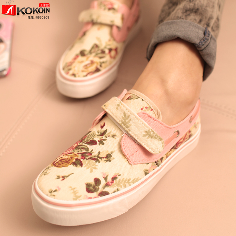 England Spring new Korean Velcro Floral round flat shoes to help low canvas shoes casual shoes women shoes