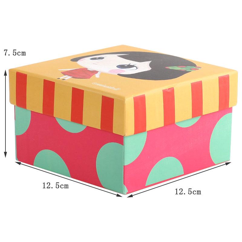 卡通礼物包装盒 儿童节礼品盒 黄色底大眼睛女孩礼盒图片