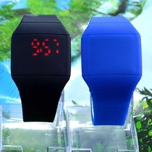 The new touch screen LED touch screen watch students sell like hot cakes