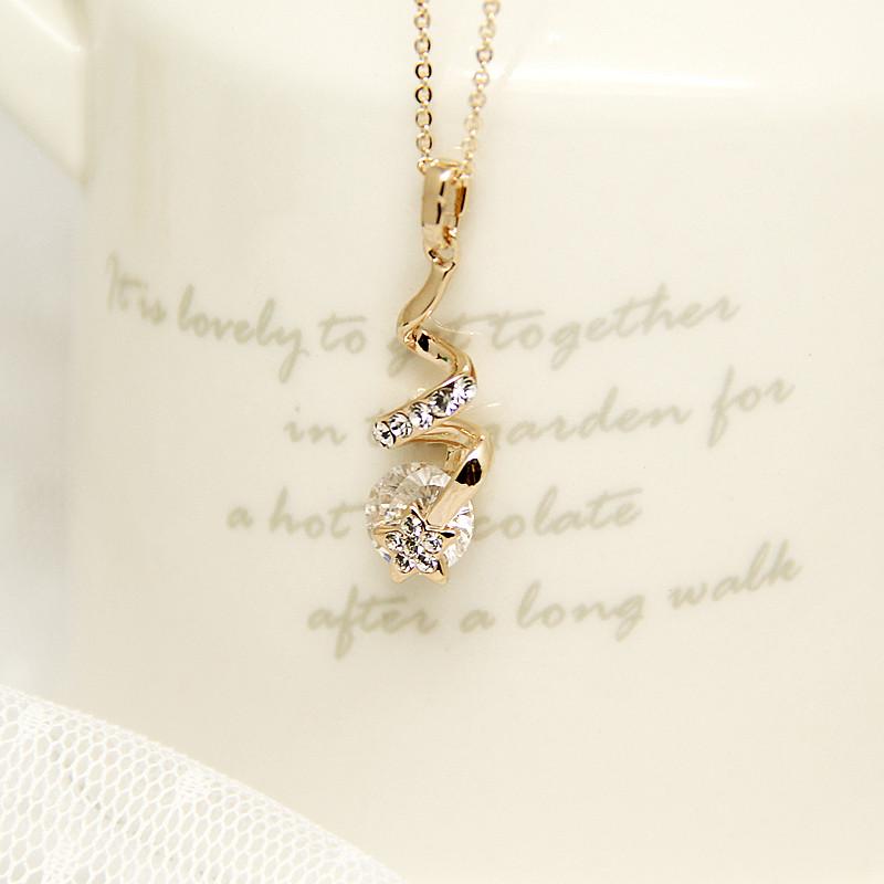 韩国版流星水滴锆石短款项链女锁骨链 百搭水钻星星吊坠清新时尚