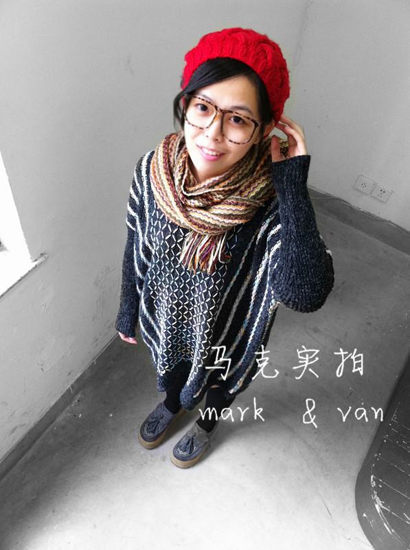 Свитер женский 【包邮马克实拍】韩国五彩花线蝙蝠袖不规则套头大毛衣