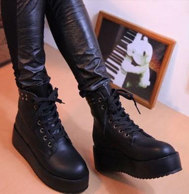 Женские сапоги Весенние и осенние сапоги женщин короткие сапоги в Англии Мартин сапоги мотоцикла сапоги, ботинки на толстой подошве платформы заклепками обувь платформы и досуг обувь женская обувь