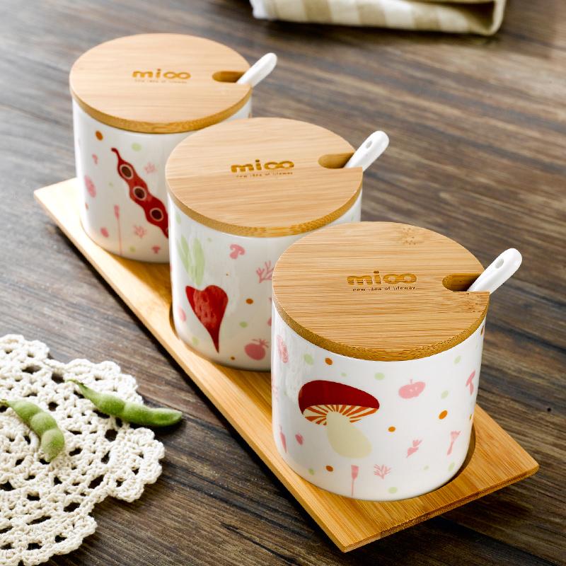 正品包邮 韩式陶瓷调味罐创意厨房家居用品 餐具调味盒带卡通风格
