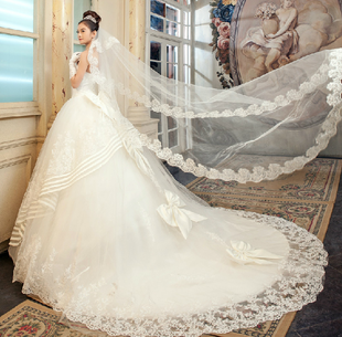 2013 new luxury lace wedding dress wedding dress long Princess trailing Korean sweet strap fitted bodice and bow