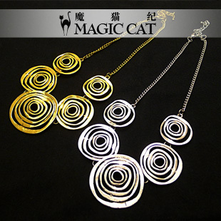 Europe and the United States to restore ancient ways joker contracted circular hollow out big exaggerated short chain necklace with female clavicle deserve to act the role of decoration nightclubs