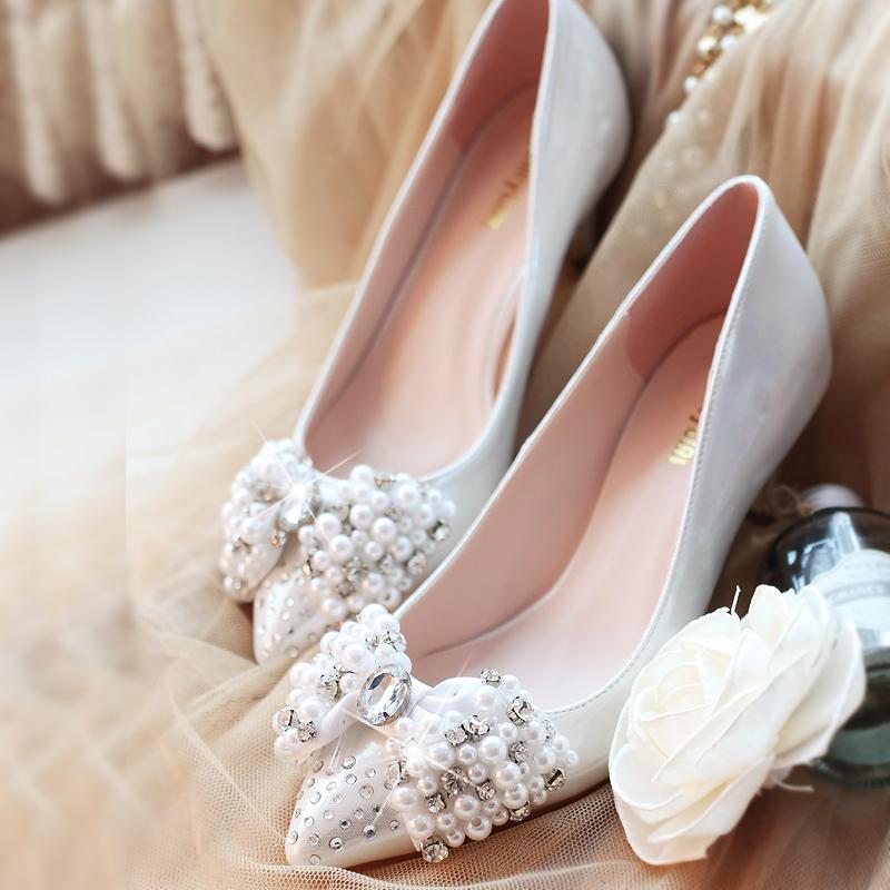 粉色珍珠水钻蝴蝶结新娘鞋结婚鞋子伴娘鞋银色中跟尖头小码女单鞋