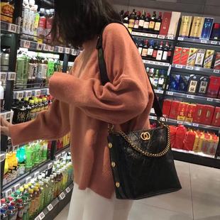 包包女2018香奶奶水桶包网红小黑包嬉皮包质感百搭单肩斜挎包