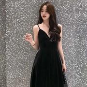 珊珊 秋冬丝绒吊带连衣裙女V领高腰气质黑色年会晚礼服性感吊带裙