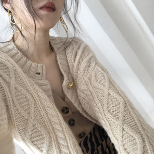 ohmyshop针织V领外套女春装复古温柔毛衣短款慵懒风加厚羊毛开衫