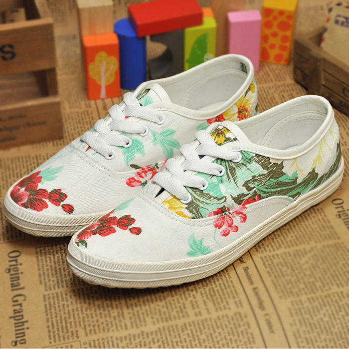 Bu Bunuo asymmetric printing small fresh new spring women's fashion to help low canvas shoes lightweight flat shoes