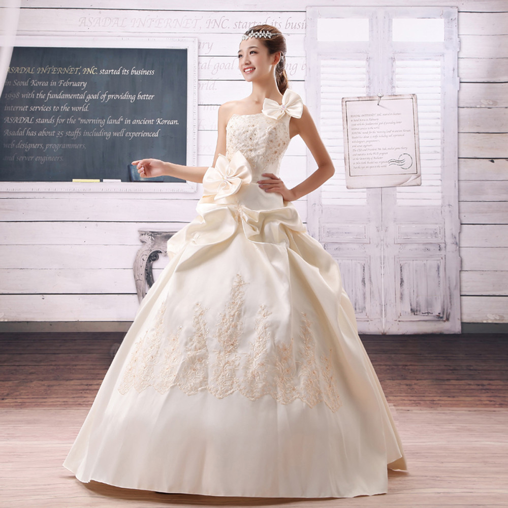 韩版宫廷缎面公主花朵单肩结婚婚纱香槟性感简约斜肩婚纱礼服3-8