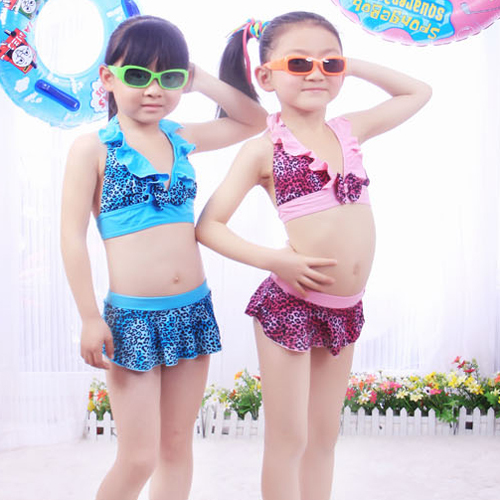 Images of 3 to 10 Year Old Girls in Swimsuits