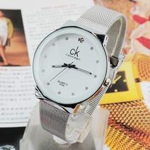 CK nuevo diamante amantes de la moda de alambre una pequeña mesa en el sostenimiento de los precios forma