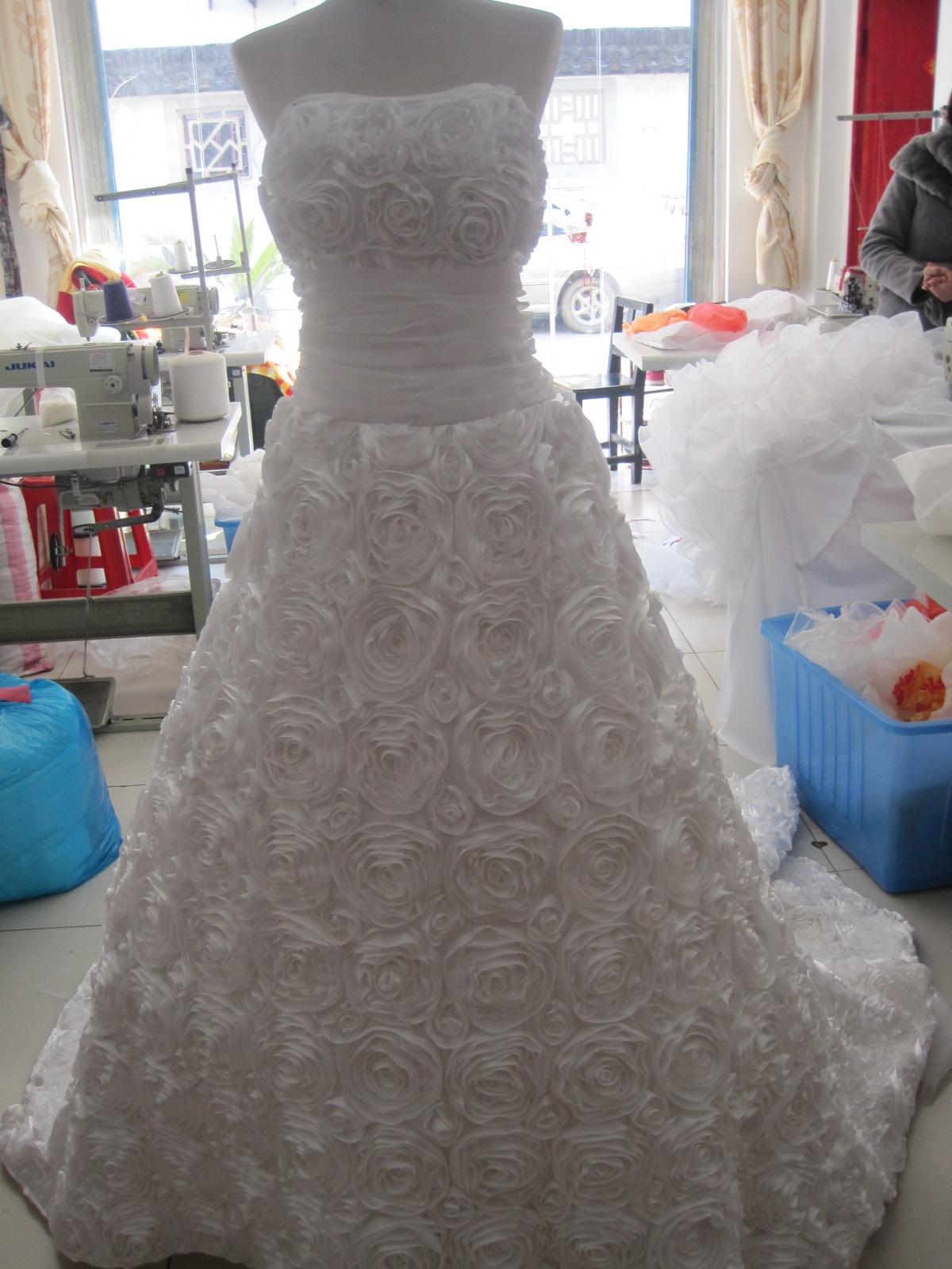 Свадебное платье 2012 2012 Длинный шлейф