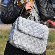 包邮!日韩可爱金属链条菱格纹铆钉毛毛包|毛绒包包 手提斜挎女包