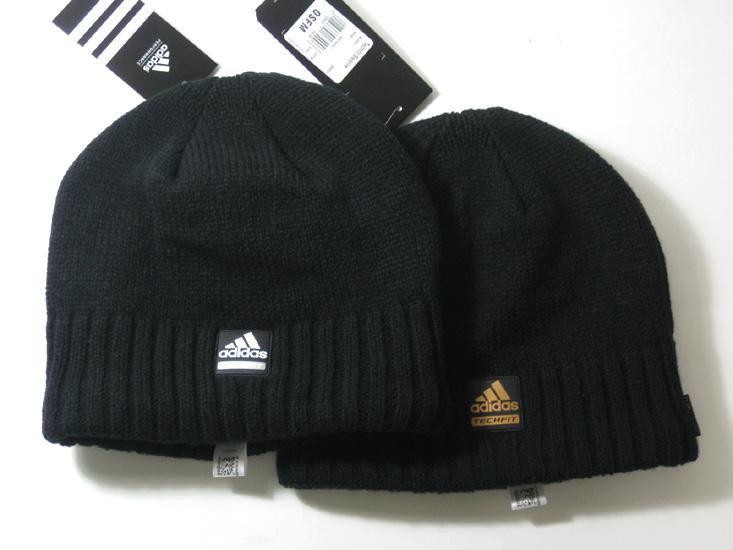 Головной убор Adidas Вязаные/трикотажные шапки Шерсть Без декора Обычная модель