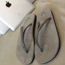 The escape of a gentleman Gray flip-flops male South Korean couples sandals flip-flops