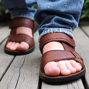 Casual men's sandal leather shoes men Sandals men leather Beach sandal leather tide of genuine men's leather Sandals men