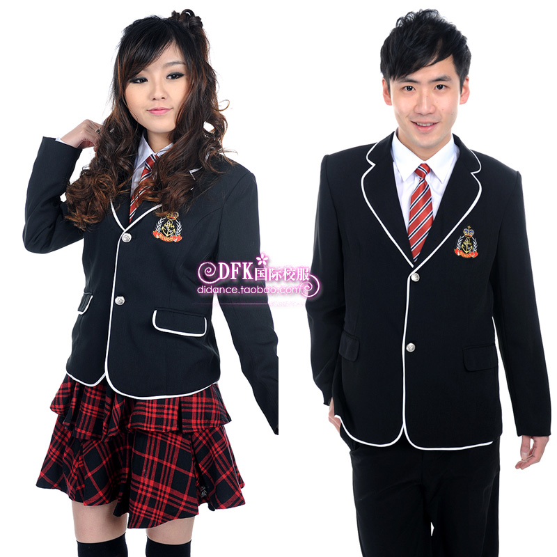 school uniform 3 essay 3 school uniforms create a level playing field among students, reducing peer pressure and bullying when all students are dressed alike, competition between students.
