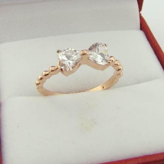 批发 热卖 镶钻蝴蝶结玫瑰金钛钢戒指 韩版戒指饰品
