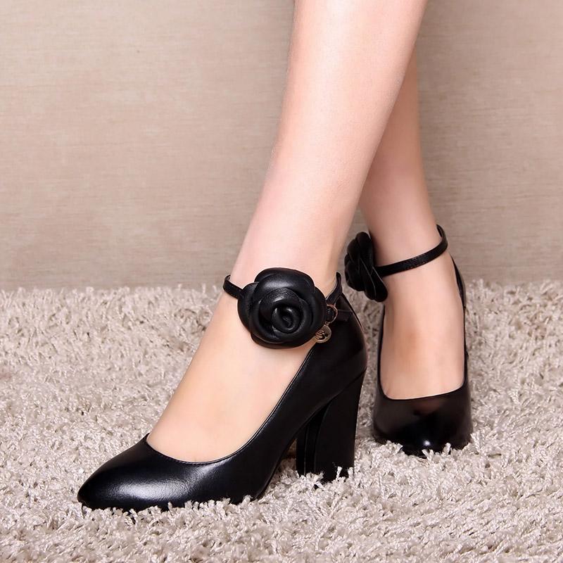 脚环高跟鞋