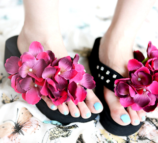 Beautiful recommended! gradient flower stones inlaid with herringbone slippers
