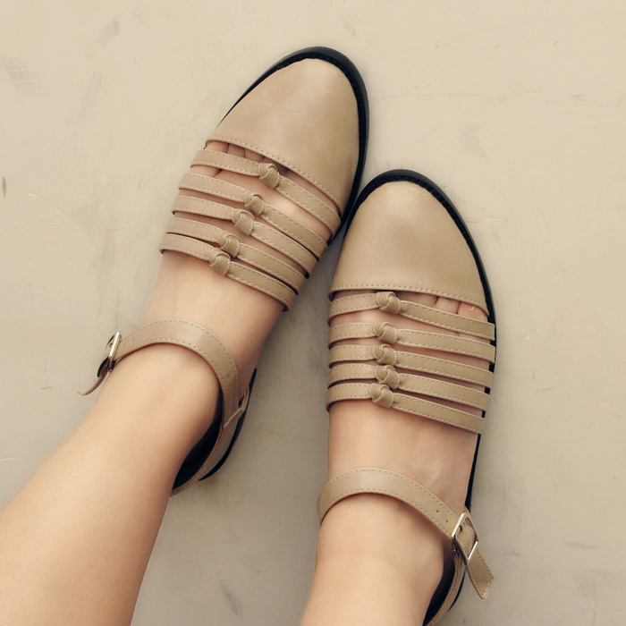 2014 summer new British retro Sen Department of European and American Art flat shoes with hollow Roman sandals flat shoes