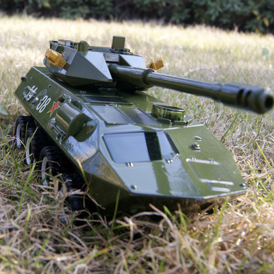 Free shipping 8 wheeled armored tanks antiaircraft artillery alloy model car sound and light version 1:35 Shenghui toy cars