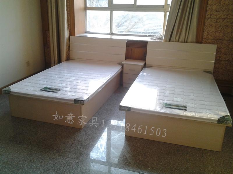 классическая кровать   1.2