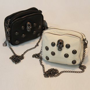 新款迷你朋克风骷髅头链条水钻铆钉单肩斜挎手拿包女式小包包