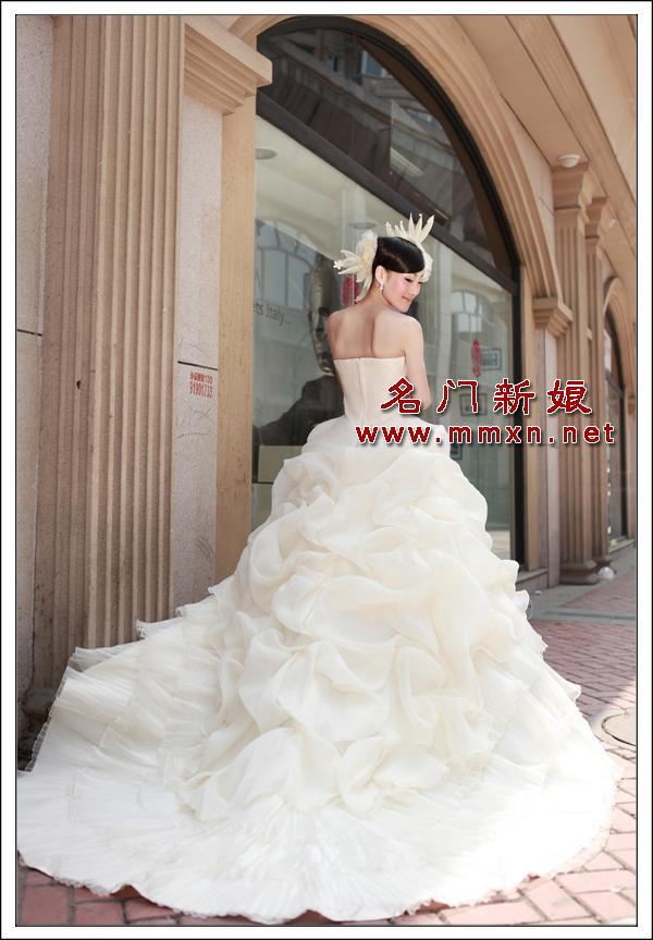 Свадебное платье Bride 920 2012 Плотная ткань Длинный шлейф