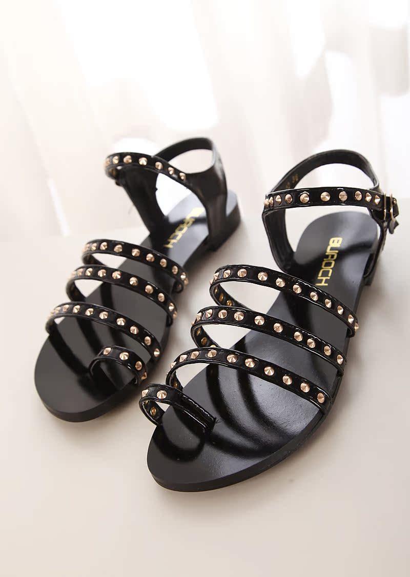 2014欧美新款显瘦复古铆钉平底平跟凉鞋罗马休闲风格搭扣女鞋子潮