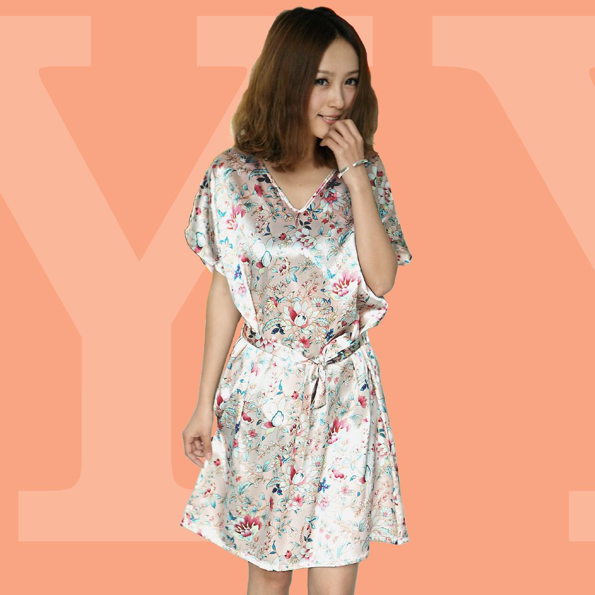 Ночная рубашка 2013 Новые корейские мило v шеи летнее платье сексуальная ночная рубашка шелка короткими рукавами дома износа женщин пижамы Шелк Имитация натурального шёлка V-образный вырез Лето