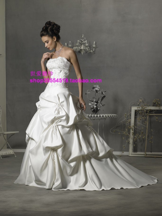 Свадебное платье World love a hundred years wlf292 Bridal Gown 2011 Плотная ткань Небольшой шлейф Императорский