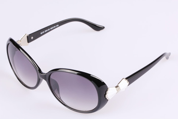China-made quality ladies fashion sunglasses to show off classic European version sunglasses R8219