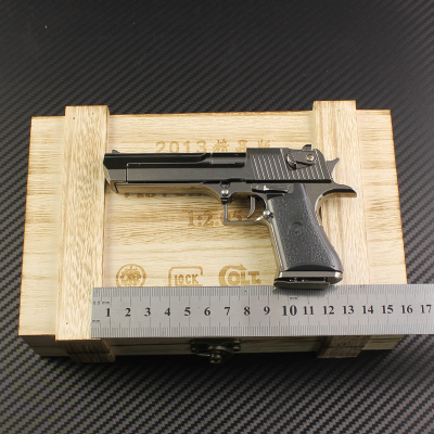 Desert Eagle full metal imitation guns detachable 1: 2.5 pairs of clip +21 bullets model fully equipped