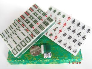 Походный набор для игры в маджонг (Бывший Шанхай пап) белый зеленый большой туризм, заданные Маджонг продажу 26 см Описание ребенка
