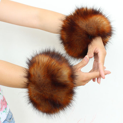 New Korean imitation fox fur warm wind plush raccoon fur cuff leather wrist cuffs hand circle grass winter woman