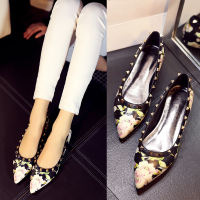 2015春季新款女鞋尖头平底单鞋浅口小辣椒同款平跟欧美铆钉真皮