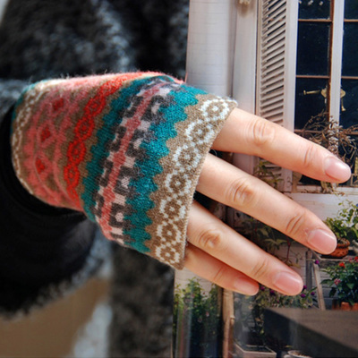 L.Wang original music to the national air warm autumn and winter retro print wool half-finger gloves female thick A033E