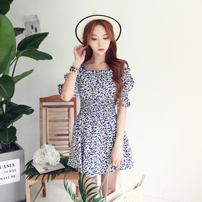 2015 the new south Korean dabagirl summer wear sexy condole belt word brought flowers off-the-shoulder pleated waist dress