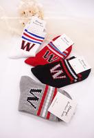 新款 运动W女士中帮棉袜字母提花中帮棉袜多色百搭女袜 满包邮