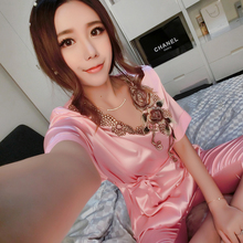 Ice flower pattern new sexy silk silk pajamas women summer short-sleeved 7 minutes of pants silk pajamas household to take